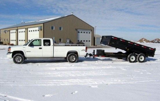 Conduite de camionnette et remorque